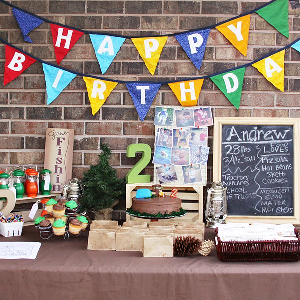 Backyard-Birthday-Party-with-Photo-Prints-1